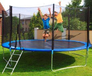 Gave til 6-årig - gaveideer til piger og drenge på 6 år trampolin